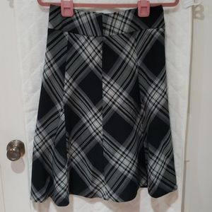 Beautiful flare skirt in black and white